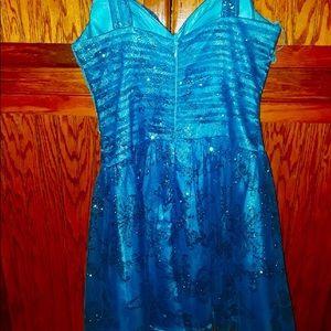 Size 5, M X I, formal glitter party dress